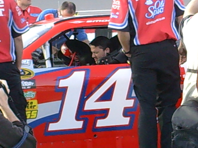 Tony Stewart prepares to qualify for the Shelby 527 at Las Vegas Motor Speedway on Friday, February 27, 2009 (photo credit: The Fast and the Fabulous)