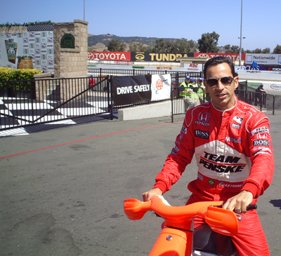 Helio Castroneves on Saturday, August 22, 2009 at the Indy Grand Prix of Sonoma at Infineon Raceway (photo credit: The Fast and the Fabulous)