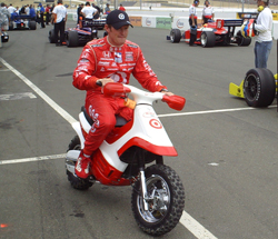 Scott Dixon heads back to the garage after practicing on Sunday, August 23, 2009 at the Indy Grand Prix of Sonoma at Infineon Raceway (photo credit: The Fast and the Fabulous)