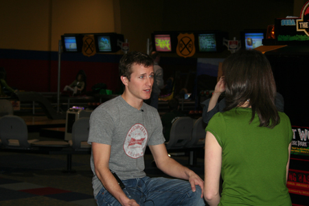 Kasey Kahne talks with Leah Rubertino of NBC affiliate WCYB Thursday at Fun Expedition in Johnson City, Tenn. during a visit to promote the upcoming NASCAR weekend at Bristol Motor Speedway (Credit: Bristol Motor Speedway)