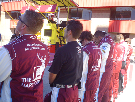 No 33 The Hartford pit crew