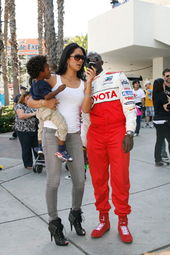 Kimora Lee Simmons shares a photo with her boyfriend Djimon Hounsou and their son, Kenzo
