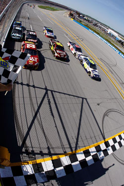 Jimmie Johnson wins the Aaron's 499 at Talladega Superspeedway (Credit: Todd Warshaw/Getty Images for NASCAR)