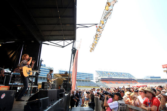 Dierks Bentley kicked the NASCAR Sprint All-Star Race day off with a free concert for fans at Charlotte Motor Speedway. (Credit: Streeter Lecka/Getty Images)