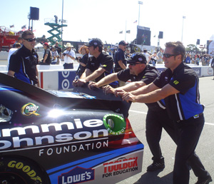 Ron Malec (far right) and the #48 crew