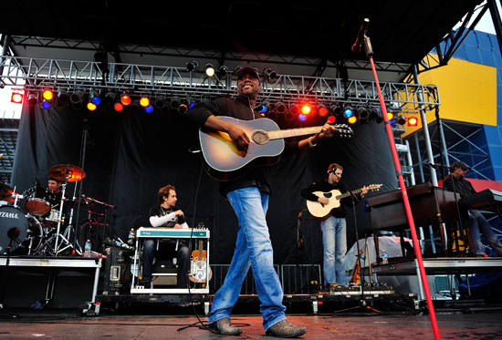 Singer Darius Rucker performs on stage prior to the NASCAR Sprint Cup Series GEICO 400 at Chicagoland Speedway on Sept. 18 in Joliet, Ill. (Credit: Rainier Ehrhardt/Getty Images for NASCAR)