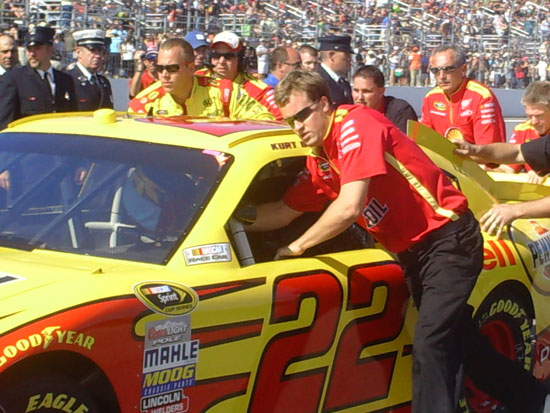 No. 22 Shell Pennzoil Crew