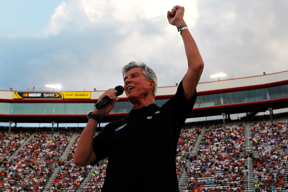 2012-Bristol2-Cup-Michael-Buffer-Before-The-Race