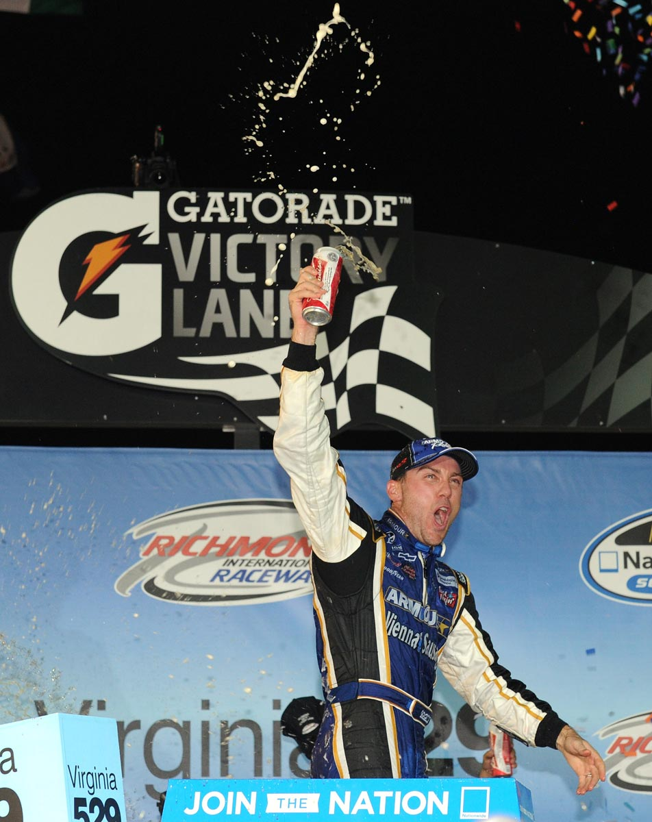kevin-harvick-victorylane-nascar-nationwide-series-richmond-2012