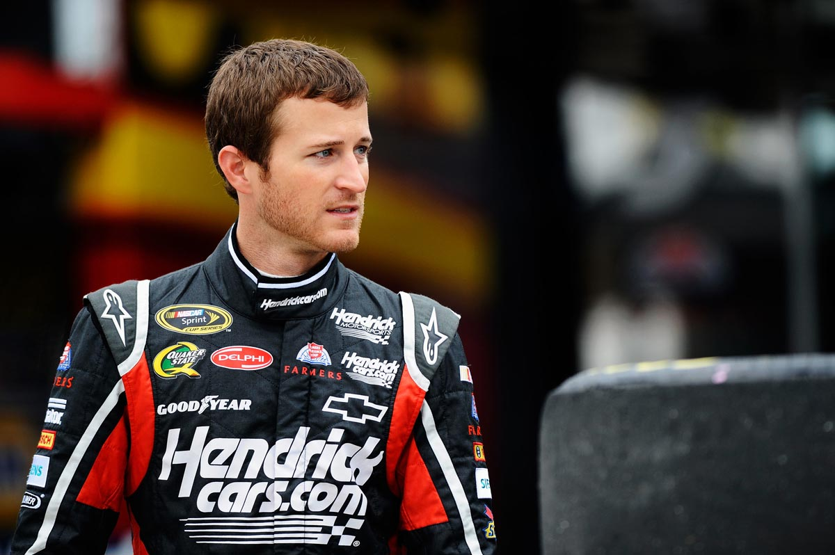 2012-Martinsville2-Kasey-Kahne-Walks-Through-Garage