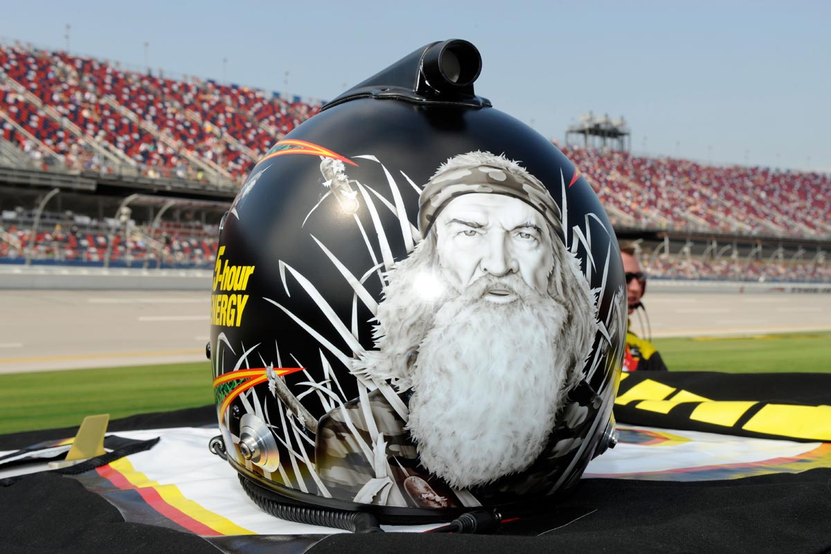 clint-bowyer-helmet-nascar-sprint-cup-series-qualifying-talladega-2-2012