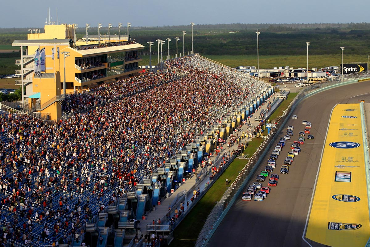 HOMESTEAD-MIAMI SPEEDWAY ON TRACK