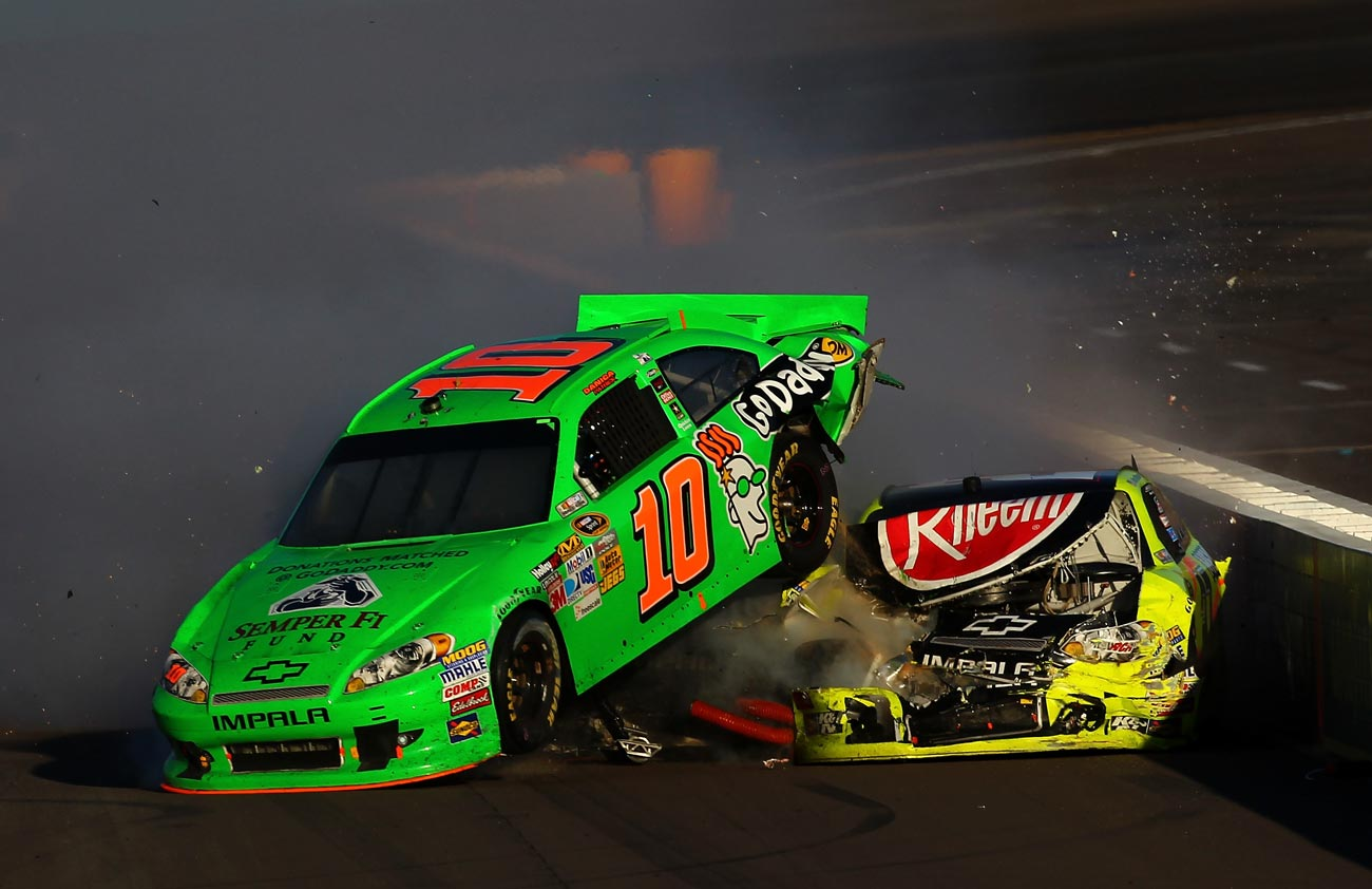 2012-Phoenix2-Danica-Patrick-Paul-Menard-Incident