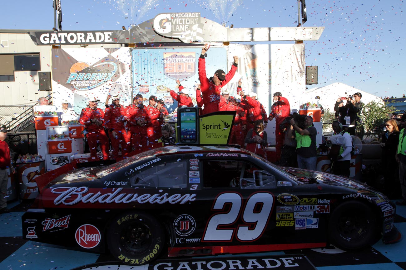 2012-Phoenix2-Kevin-Harvick-Celebrates-In-Victory-Lane