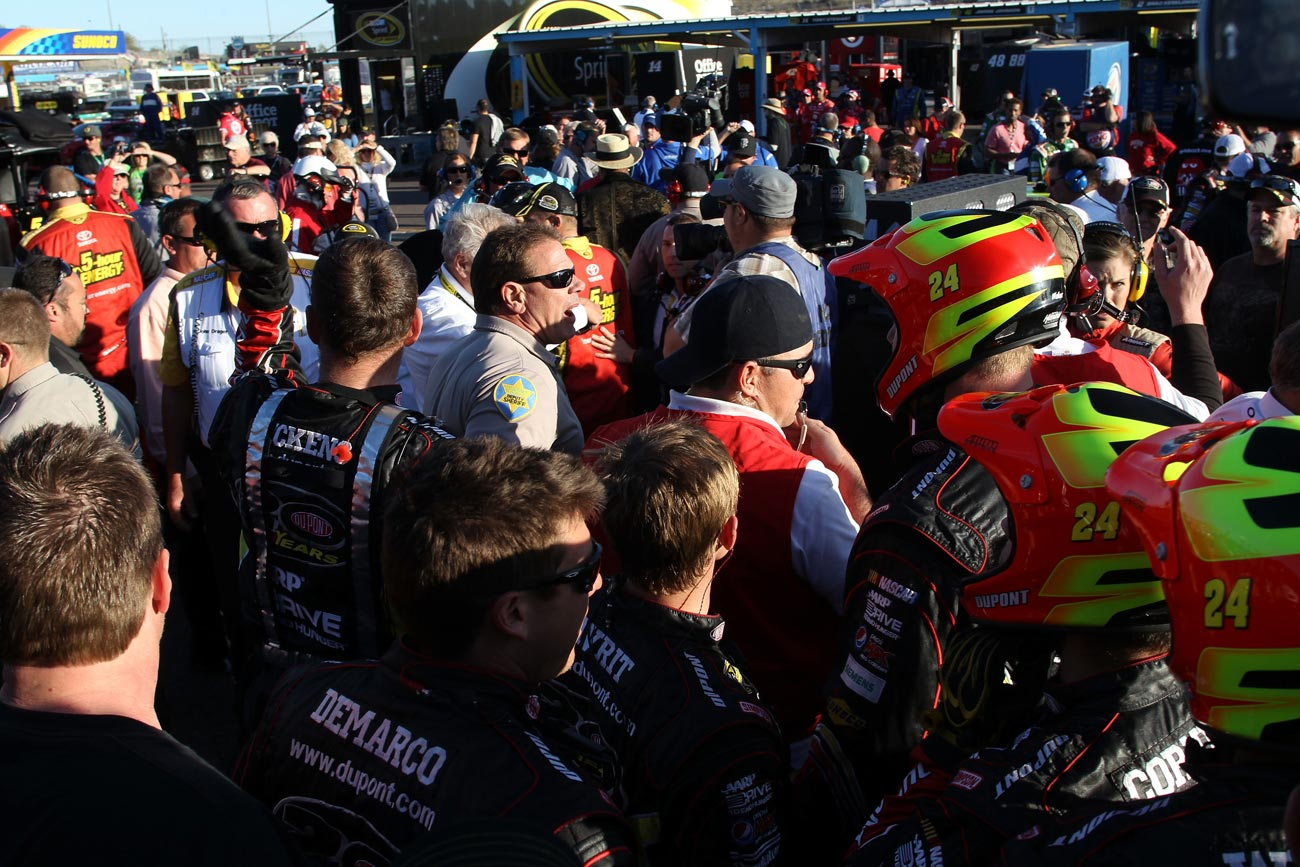 2012-Phoenix2-Police-Break-Up-Brawl-After-Gordon-Bowyer-Incident