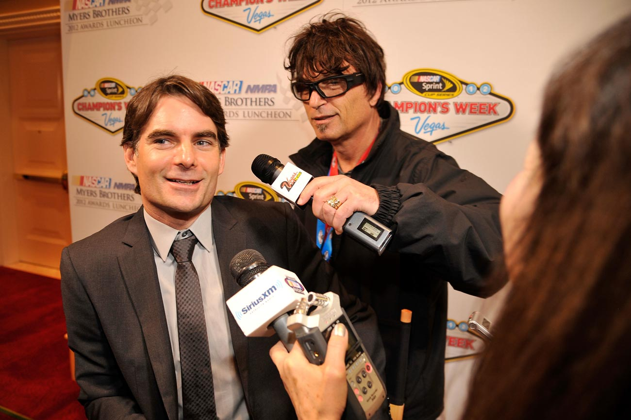 2012-Vegas-Myers-Bros-Awards-Luncheon-Howie-Mandel-Jeff-Gordon-Breakout