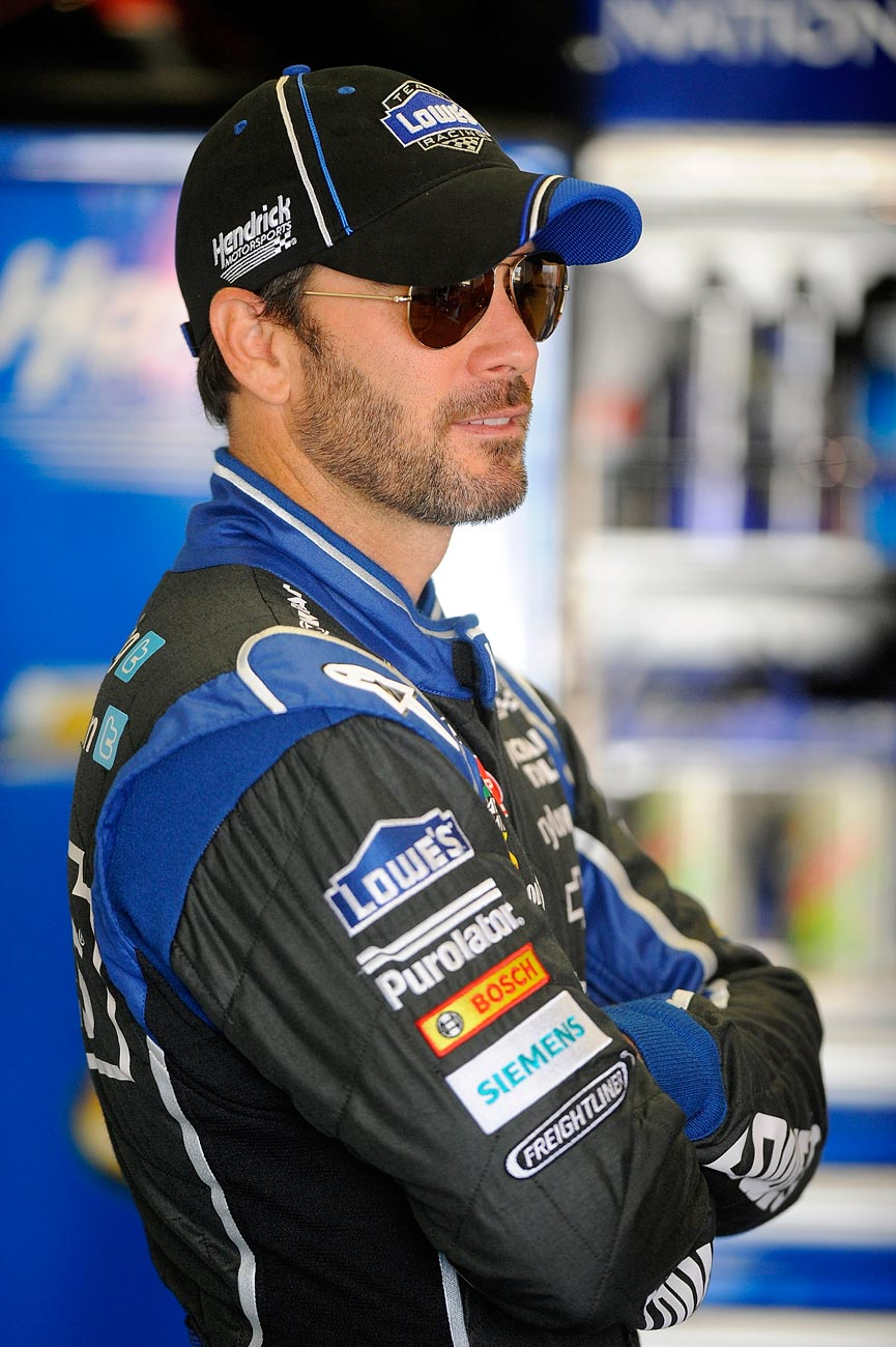 2013-Daytona-Preseason-Thunder-Day-2-Jimmie-Johnson-in-Garage