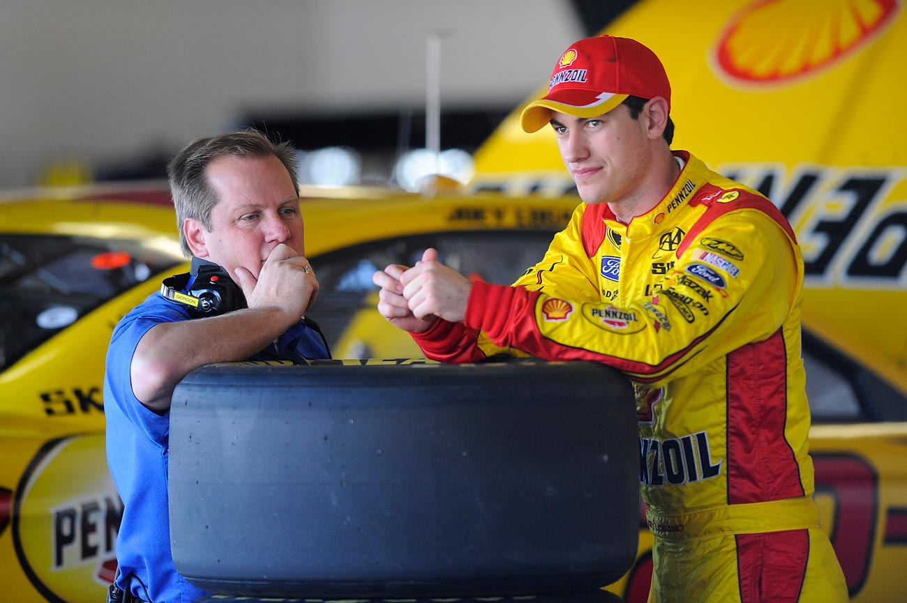 2013-Daytona-Preseason-Thunder-Joey-Logano-Todd-Gordon-In-Garage