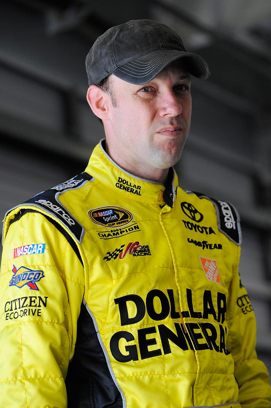 2013-Daytona-Preseason-Thunder-Matt-Kenseth-In-Garage