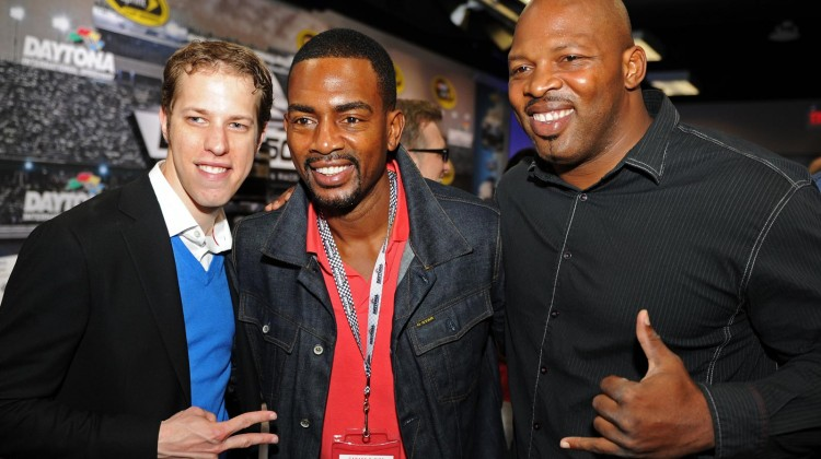 Brad Keselowski (L), driver of the #2 Miller Lite Ford, poses with actor Bill Bellamy (middle) prior to the NASCAR Sprint Cup Series Daytona 500 at Daytona International Speedway on February 24, 2013 in Daytona Beach, Florida. (Credit: John Harrelson/Getty Images for NASCAR)