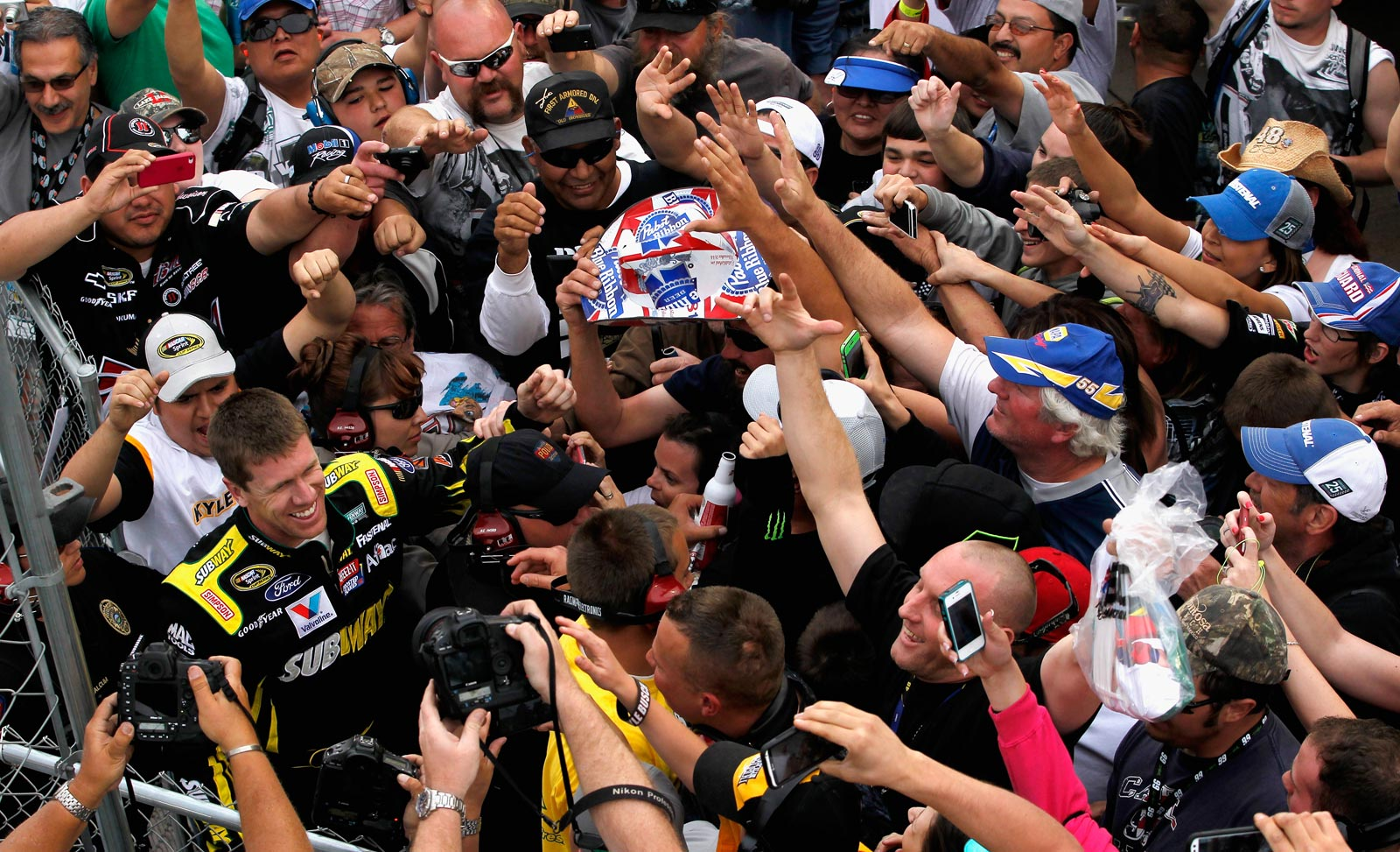 2013-Subway-Fresh-Fit-500-Phoenix-030313-Carl-Edwards-Crowd-Win