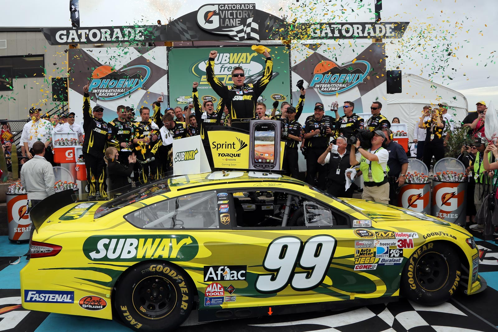 2013-Subway-Fresh-Fit-500-Phoenix-030313-Carl-Edwards-Victory-Lane