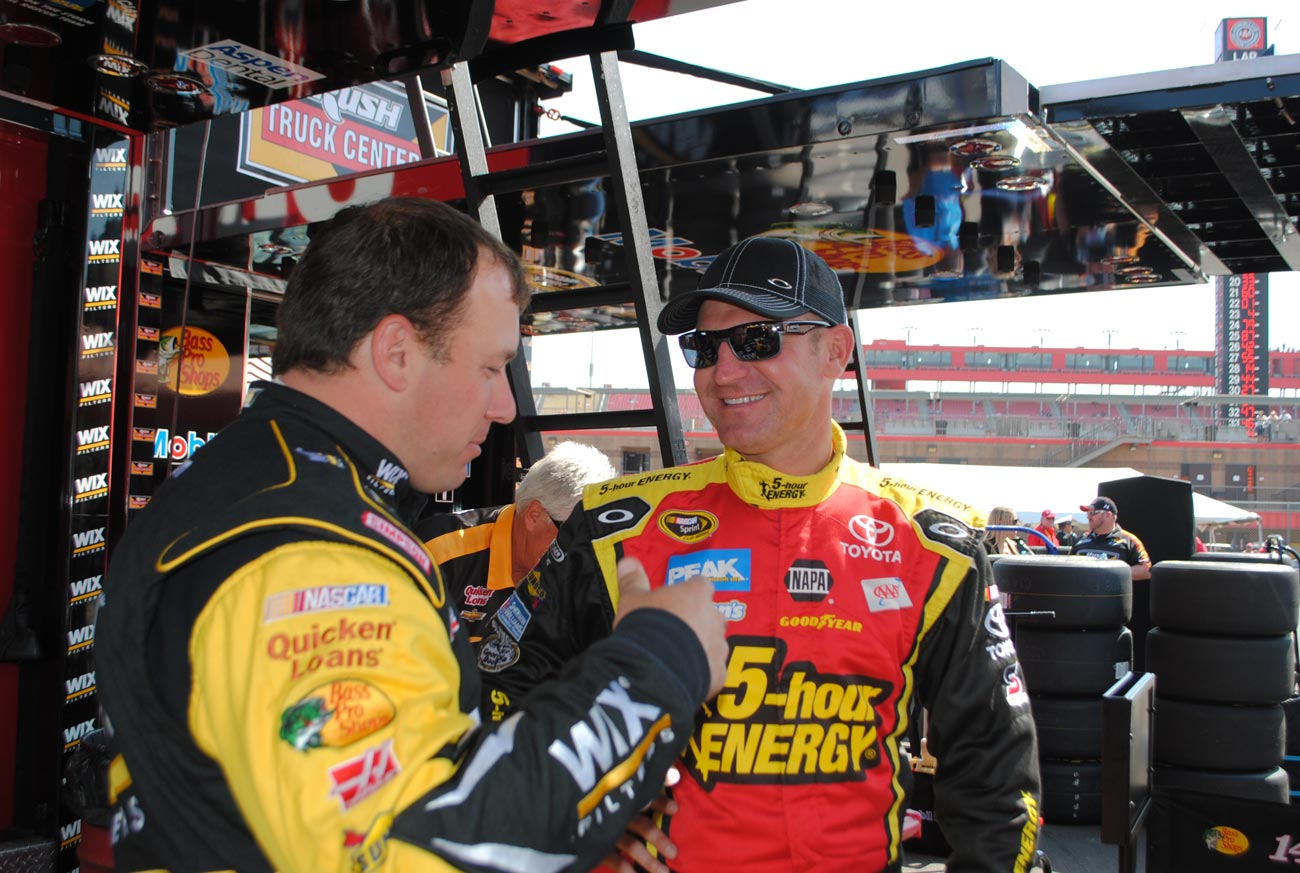 fontana2013-clint-bowyer-ryan-newman