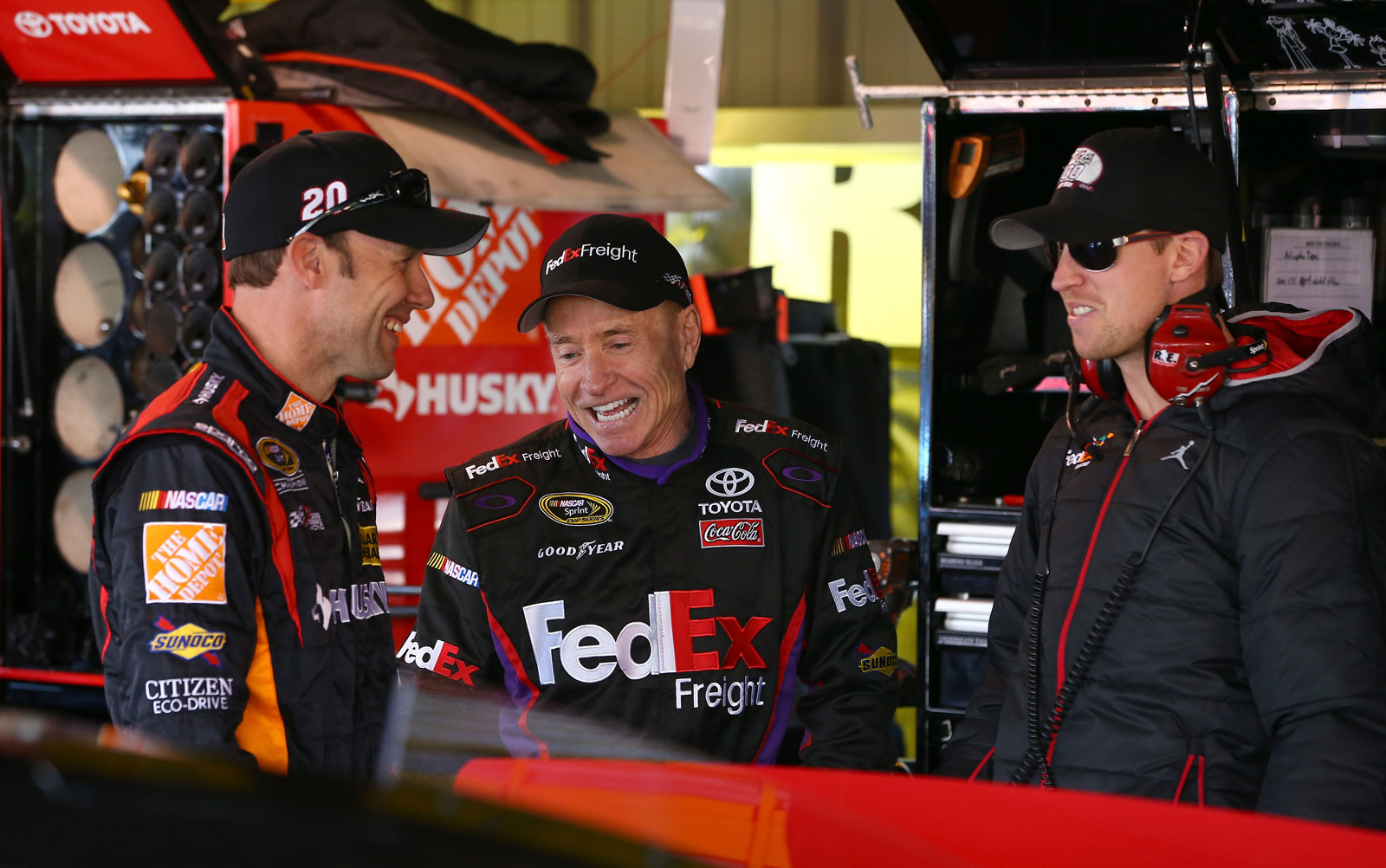 Kenseth-Martin-Hamlin-Martinsville-NASCAR-April-2013