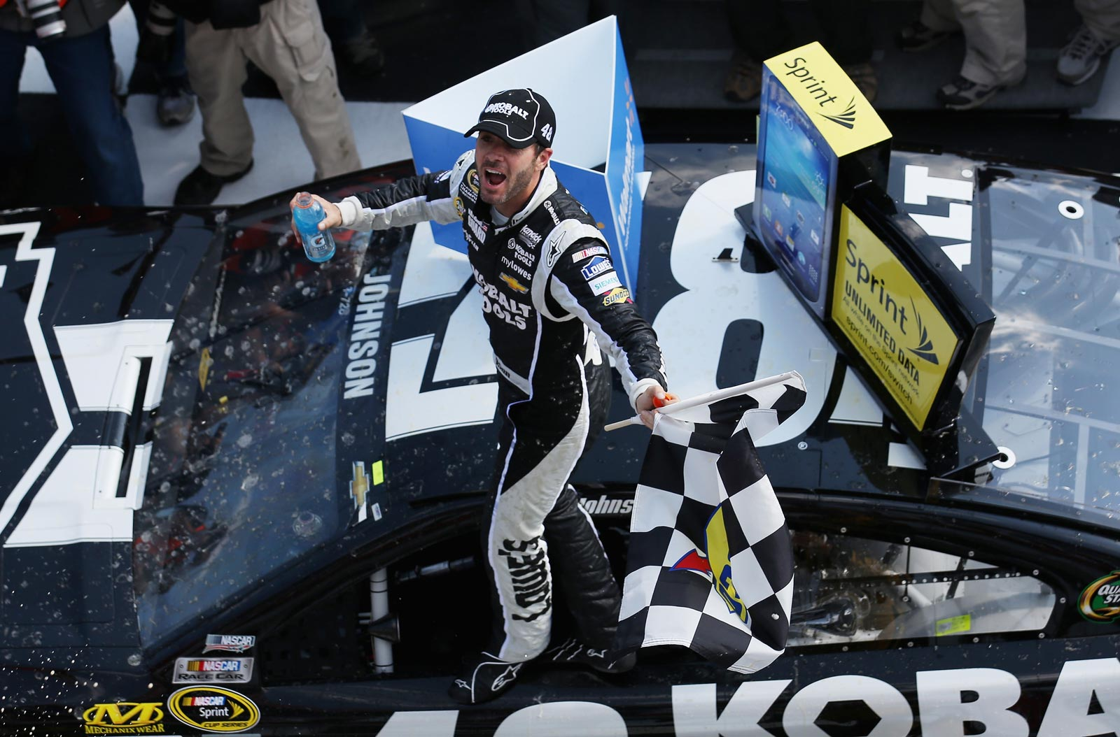 Jimmie_Johnson_Victory_Lane_Pocono_060913