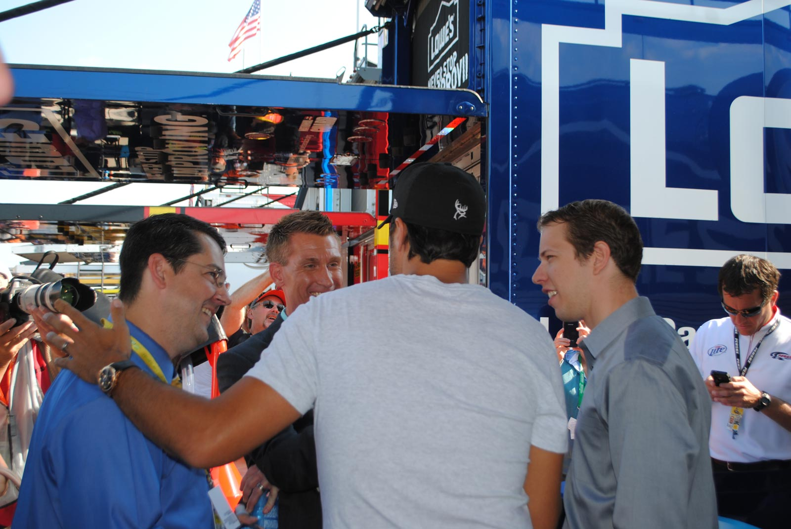 michigan-luke-bryan-marty-smith-brad-keselowski