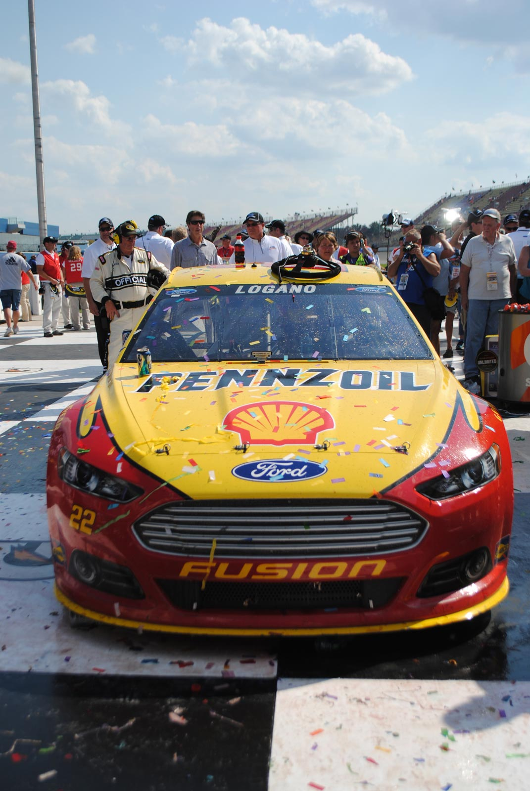 michigan-no-22-car-victory-lane