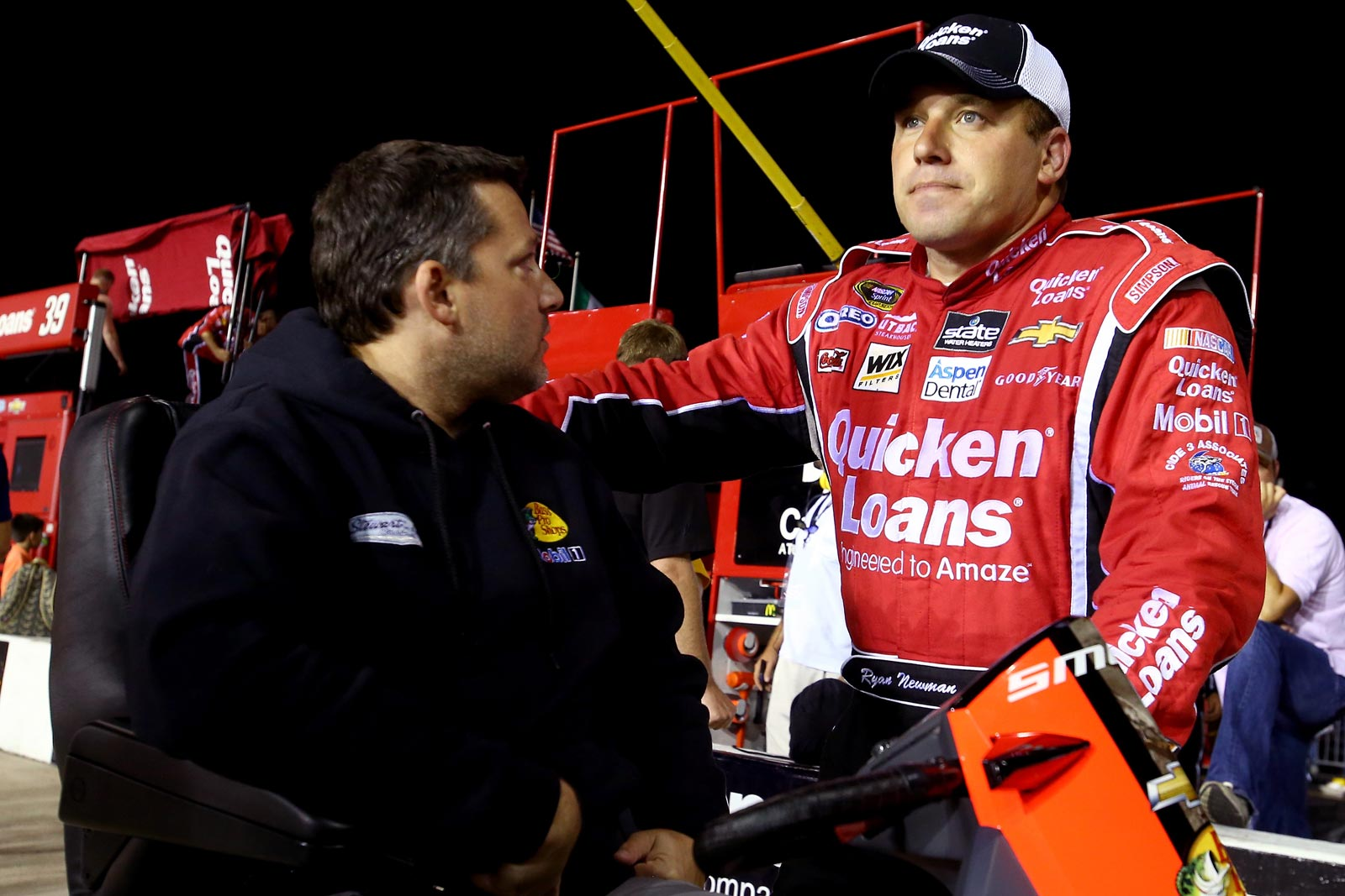 Ryan_Newman_Tony_Stewart_Richmond_2013