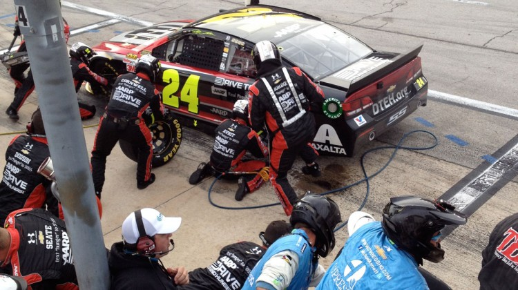 No. 24 pit stop at Texas Motor Speedway. (photo credit: The Fast and the Fabulous)