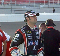 Sam Hornish Jr. waits for his turn to qualify at Las Vegas Motor Speedway on Friday, February 27, 2009 (photo credit: The Fast and the Fabulous)