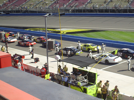 Starting grid for the CampingWorld.com 300