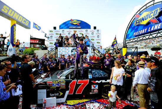 Matt Kenseth and the No. 17 Roush Fenway Racing team as well as daughter Kaylin Nicola and wife Katie (foreground) in Sunoco Victory Lane on Sunday at Dover International Speedway in Dover, Del. (Credit: Jason Smith/Getty Images for NASCAR)