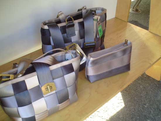 I love these bags because they remind me of plaid (I'm mad about plaid!) and they're made from 100% reclaimed seatbelts plus organic hemp and water-based inks. Great for the environment!